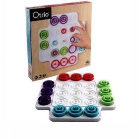 אוטריו משחק אסטרטגיה לשני שחקנים